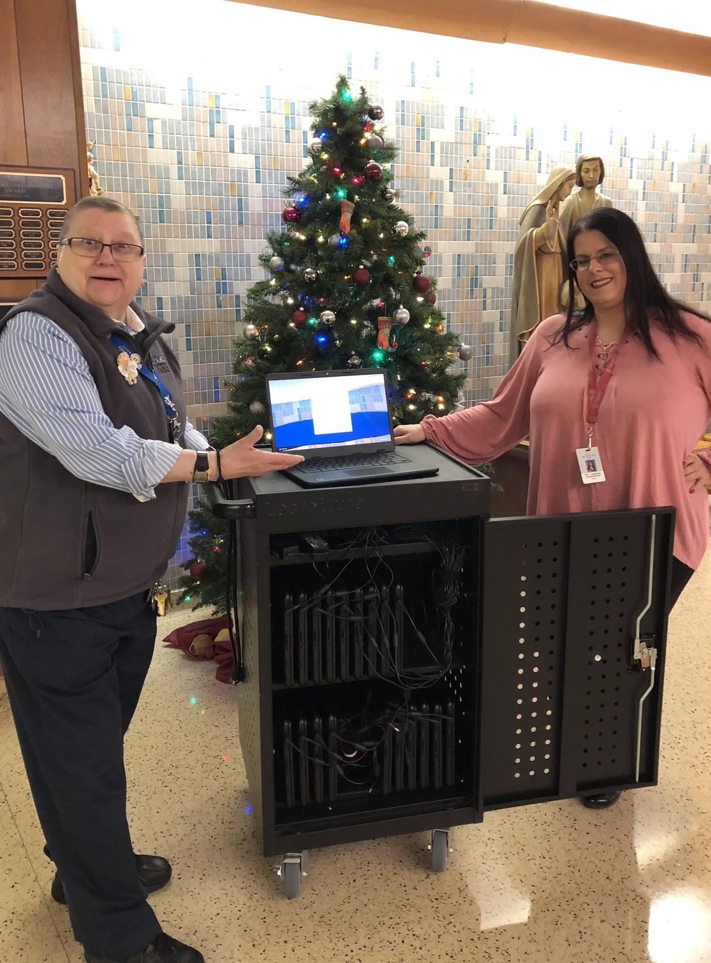 Tech cart and teachers